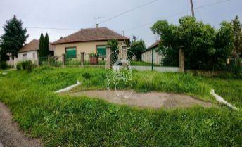 Rodinný dom v obci Vilmány 40 km od Košíc, Maďarsko