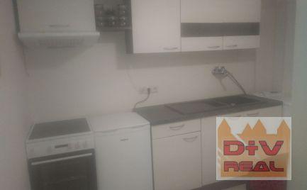 1 izbový byt, Lamač, Zhorínska ulica, zariadený, možnosť využívať záhradku
