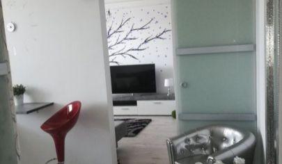 Na predaj 1. izbový byt Pezinok, Bystrická.
