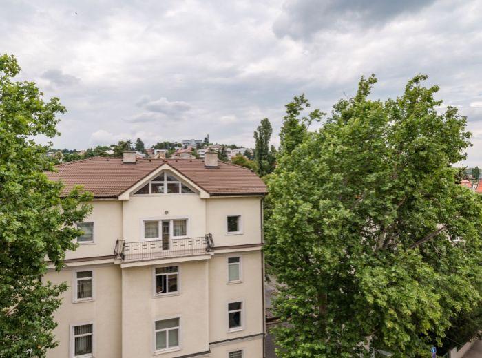 PALISÁDY, 2-i byt, 39 m2 - kompletne zrekonštruovaný, KULTÚRNA PAMIATKA, výťah, KLIMATIZÁCIA