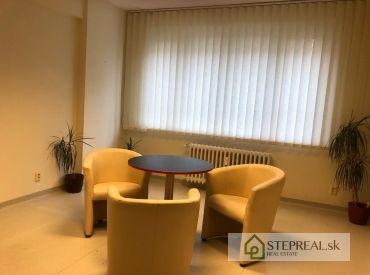 Krásny 2i byt Námestie Slobody-Staré Mesto-vhodný aj ako kancelarský priestor -(ambulancia)