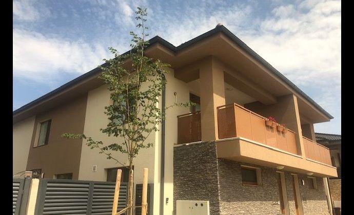 PREDAJ - novostavba 3 izbového vila bytu so záhradkou v obci Veľký Biel