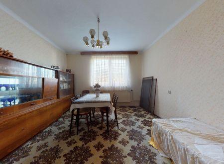 Rodinný dom /4 izb/ Pobedím