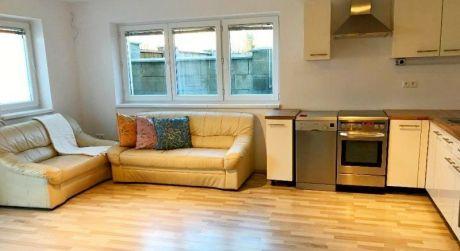 2 izbový byt s rozlohou 65m2 v Senci v blízkosti Strieborného jazera.