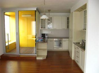 BA II. 4 izbový byt na prenájom v OCTOPUS na Záhradnickej ulici