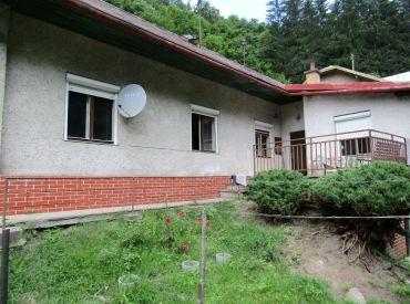Na predaj rodinný dom v obci Podbrezová, vhodný aj ako chata.