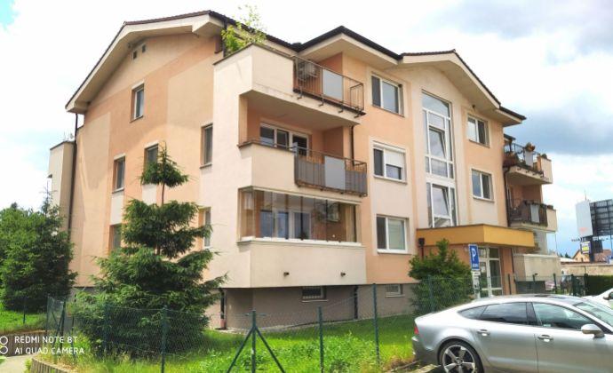 Príjemný a svetlý 3-izbový byt 73 m2, veľká spoločná záhrada, vlastné parkovanie, Rovinka