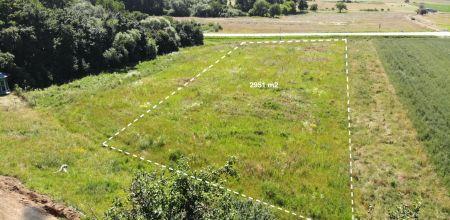 Na pedaj stavebný pozemok v obci Chocholná-Velčice 2951 m2