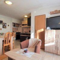 2 izbový byt, Hlohovec, 58 m², Čiastočná rekonštrukcia