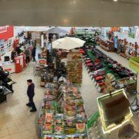 Obchodné centrum, Nové Zámky, 987 m²