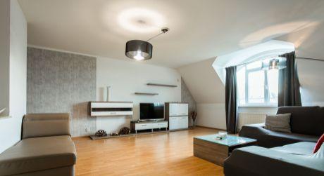 Prenájom 3 izbového bytu priamo v centre na Hviezdoslavovom námestí