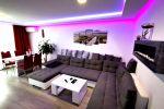 Priestranný,moderný  3 izbový byt Trenčianske Teplice, kompletná rekonštrukcia, zariadený, lodžia a balkón,  93 m2 na predaj.