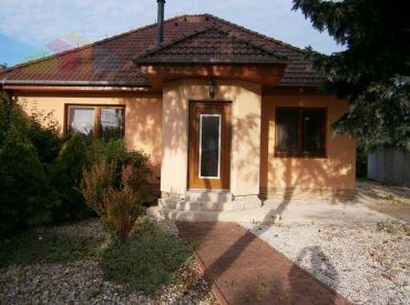 3-izbový rodinný dom s peknou  záhradou, Moravany nad Váhom