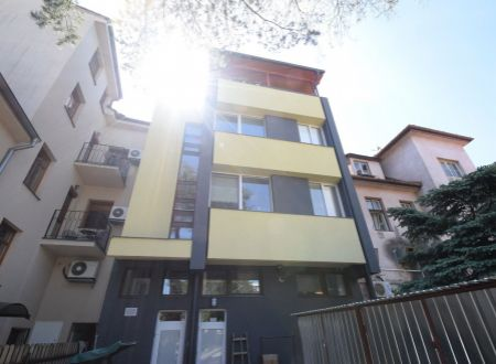 Polyfunkčná budova /obchodné priestory, byty/ centrum Piešťany