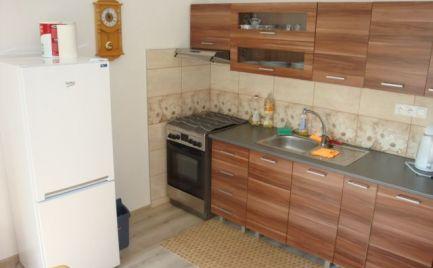 Krásny zrekonštruovaný a zariadený 1i byt v Brezne