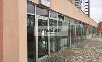 Obchodno - prevádzkový priestor 59,81 m² v nákupnom centre TERNO Kresánkova ul., parking 2 h