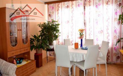 DMPD REAL Vám ponúka na predaj tichý 3-izbový byt na Dlhej ulici v centre Prievidze