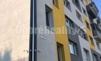 Ponúkame na  predaj priestranny kompletne zariadený  1 izb. byt s balkónom ,v novej bytovke  v prevedení novostavba