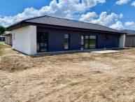 Na predaj 4.-izb. NOVOSTAVBA s pekným pozemkom o rozlohe 872m2, 2x kúpeľňa, obec Voderady