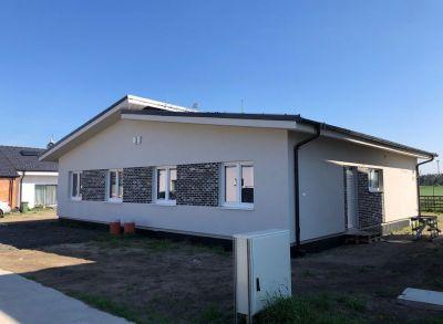 Výborne riešený 4-izbový rodinný dom osadený v peknom prostredí