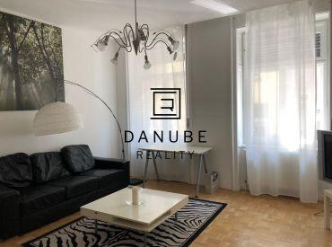 Prenájom 4-izbový byt v Bratislave-Starom meste na Dobrovičovej ulici.