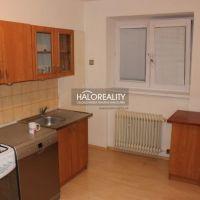 2 izbový byt, Liptovský Hrádok, 60 m², Čiastočná rekonštrukcia