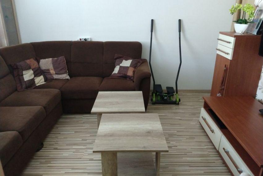 Predaj 2 izbový byt Levice-3