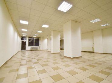 Na prenájom obchodný priestor 188 m², Jašíkova ul. Ružinov – Pošeň, voľný ihneď