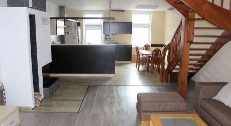 PRENÁJOM- Veľkometrážny 5 izbový mezonetový byt (200 m2)-v Centre s 2 balkónmi