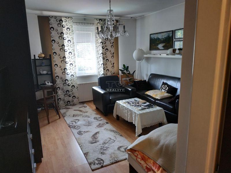 Top ponuka, Pekný, priestranný Apartmánový dom, pozemok 824m2, Senec. CENA: 390 000,00 EUR