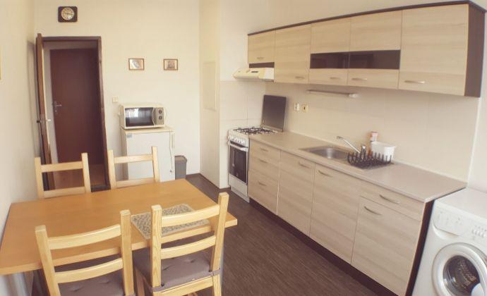 PREDAJ exkluzívne, veľký 3 izb. byt, Ľudovíta Fullu, BRATISLAVA IV - Dlhé Diely
