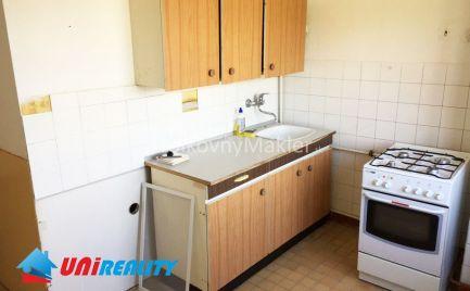 UHROVEC- 2 izbový byt / CENTRUM obce / IBA U NÁS