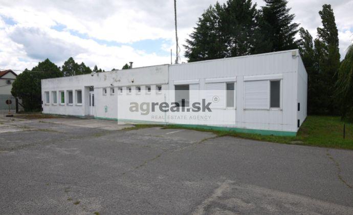 Kancelárie 200 m2, sklad 66 m2 a parkovanie v areáli v Stupave, možnosť nájmu spevnenej plochy