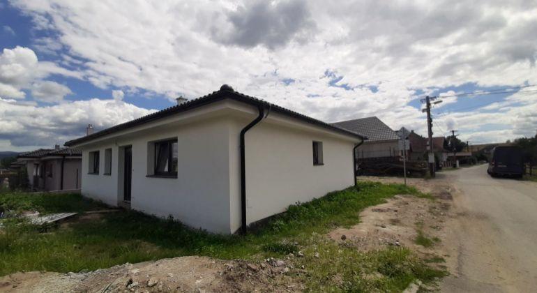 Novostavba,  4  izb. bungalov  - Ivanovce, okr. Trenčín