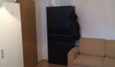 Prenájom 1 samostatnej  izby  o výmere cca 15 m2 v 3 izbovom byte Bratislava II- Ružinov - ulica Ďatelinová č. 4