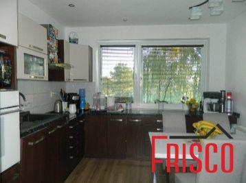 REZERVOVANÝ - predáme 3-izb. kompletne prerobený byt v Šoporni