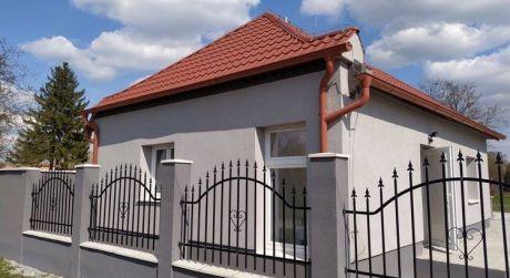 PRENÁJOM - Kompletne prerobený 2 izbový rodinný dom v Okoličnej na Ostrove