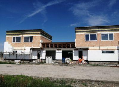 Moderná architektúra 4-izbových domov s garážami a výmerami nad 140m2 úžitkovej plochy