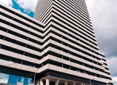 Investičný 1-izbový byt s loggiou a parádnym výhľadom v rezidenčnom komplexe Tehelné Pole