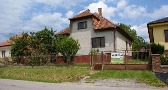 Na predaj 4 izbový rodinný dom 3200 m2 Nedašovce  ID 102007