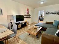 # NEPREHLIADNITE # Pekný 3.-izb. kompl. zariadený byt s veľkou zasklennou lodžiou, klíma, Olympijská ul. Trnava