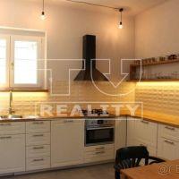 3 izbový byt, Banská Bystrica, 100 m², Čiastočná rekonštrukcia