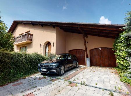 Rodinný dom 400 m2 s veľkolepým pozemkom 1198 m2, Ostrov, okr.Piešťany