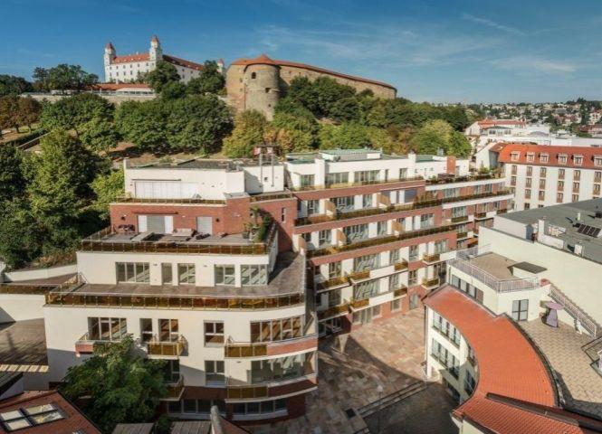4 izbový byt - Bratislava-Staré Mesto - Fotografia 1