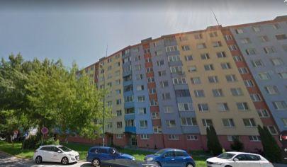 V zrekonštruovanom a zateplenom dome dobre dispozične riešený 3 izbový byt na Švabinského