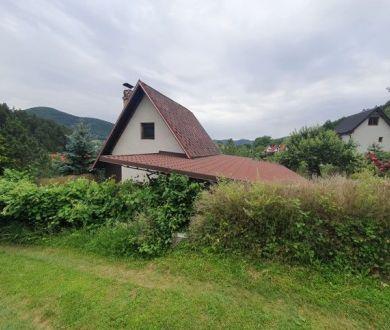 Exkluzívne u nás. Ponúkame na predaj rekreačnú chatu  v chatovej oblasti Udiča - Uhry.