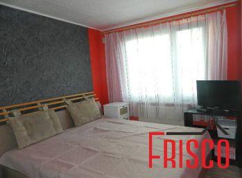 Predáme prerobený 3-izb. byt s garážou v Šoporni