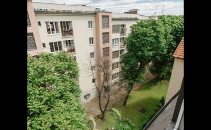 Na predaj úplne nový, klimatizovaný 2i byt s balkónom v Starom meste.