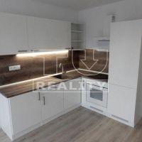 3 izbový byt, Považská Bystrica, 66 m², Kompletná rekonštrukcia