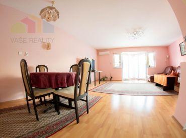 Na predaj krásny 6-izbový RD na začiatku Rovinky, 243 m²